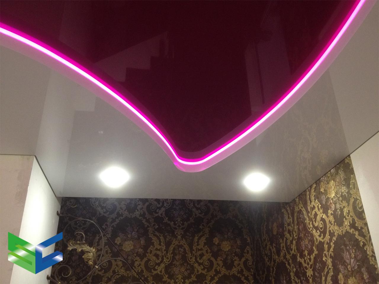 Натяжной потолок с диодной лентой от компании StyleCeiling.