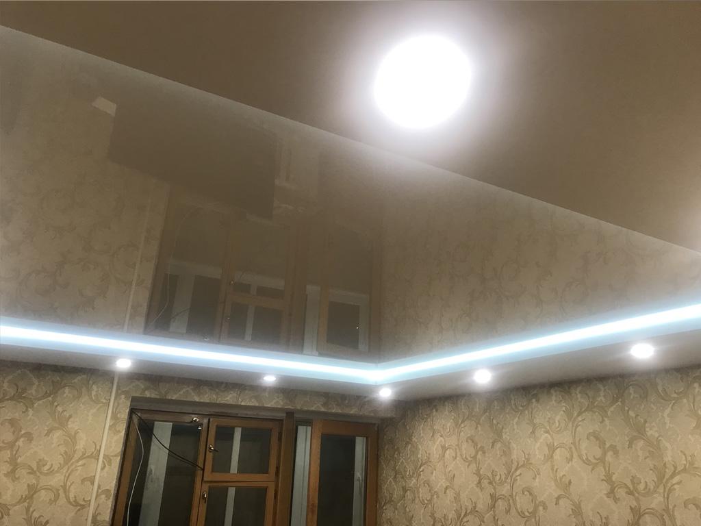 Монтаж натяжных потолков с диодной лентой